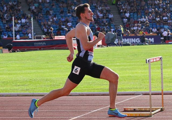 Chris McAlister on his way to victory at the British Championships. @chrismac400h