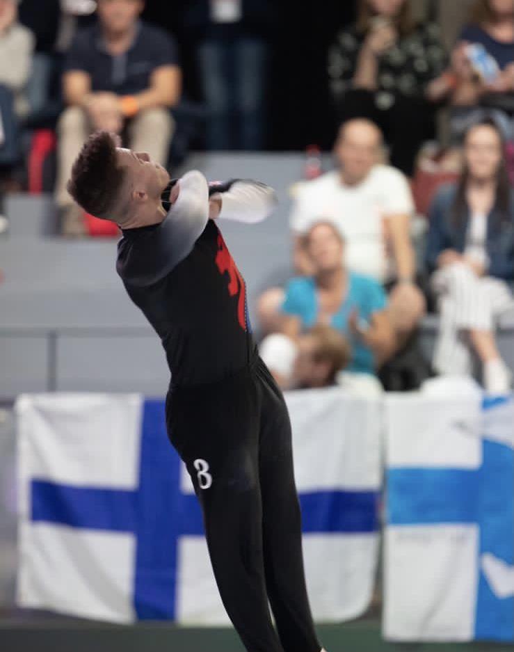 Joe Fishburn in gymnastics action